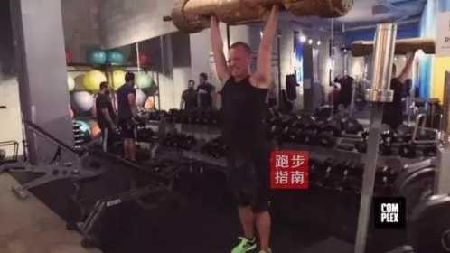 吃吐了一个挑战者 巨石强森饮食和锻炼